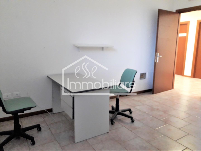 Ufficio in affitto commerciale a Vinci (FI)