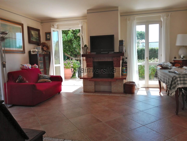Foto 2/10 per rif. V 822020 villa Versilia