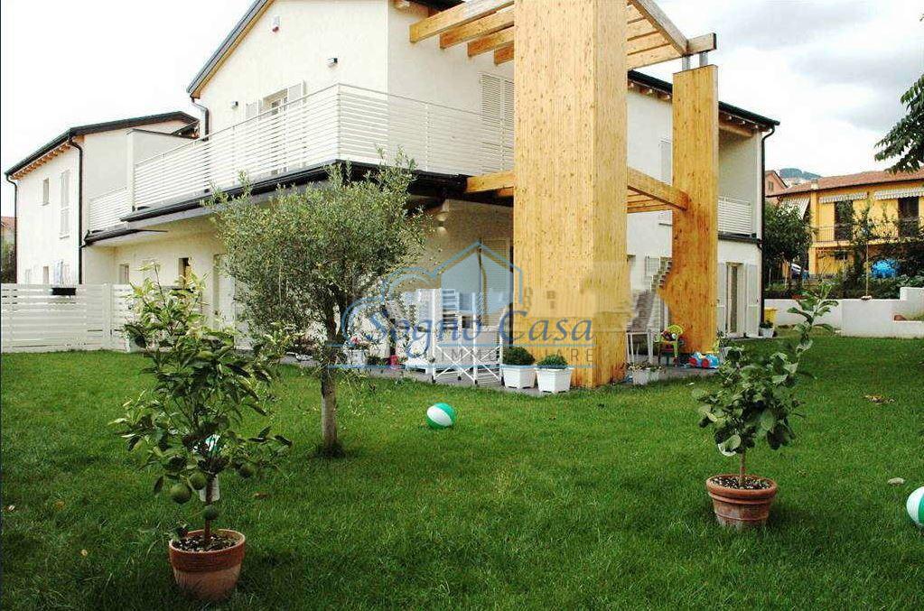 Casa semindipendente in vendita, rif. 106945
