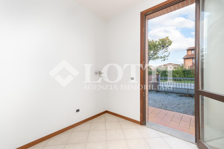 Villetta a schiera angolare in vendita, rif. 730