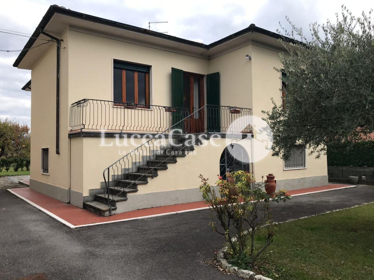 Villa singola in vendita, rif. E007J