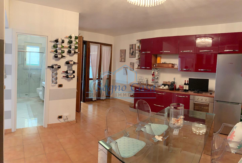 Appartamento in vendita a Ortonovo, 3 locali, prezzo € 165.000 | CambioCasa.it