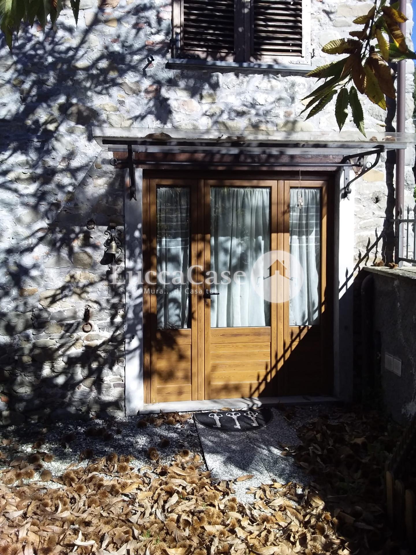 Foto 10/11 per rif. F006A