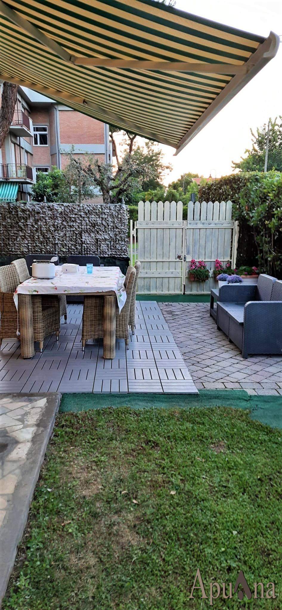 Appartamento in vendita a Montignoso, 3 locali, prezzo € 300.000 | PortaleAgenzieImmobiliari.it