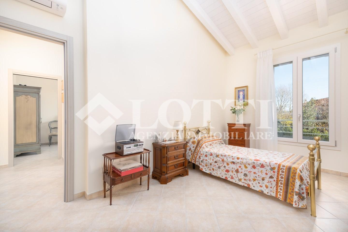 Terraced house for sale, ref. 735