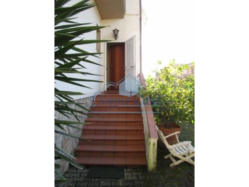 Villetta bifamiliare in vendita, rif. 076