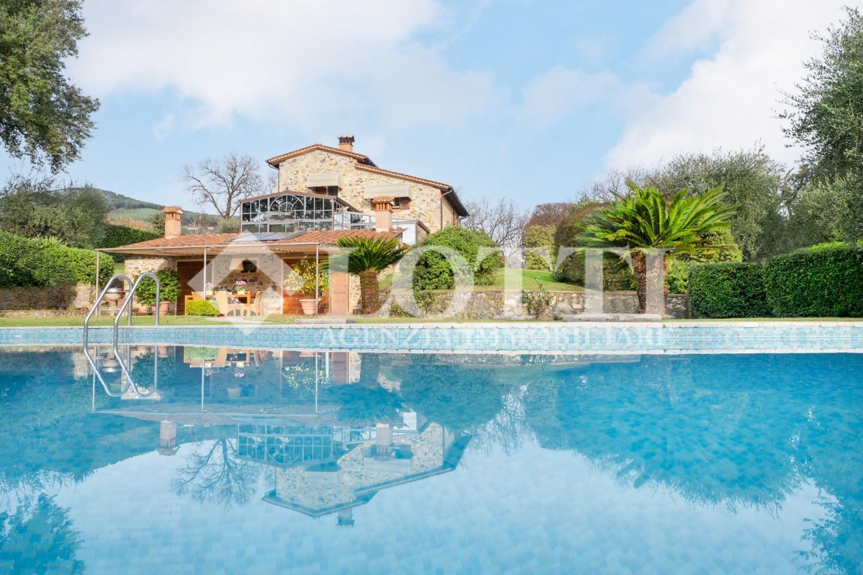Villa for sale in Bientina (PI)