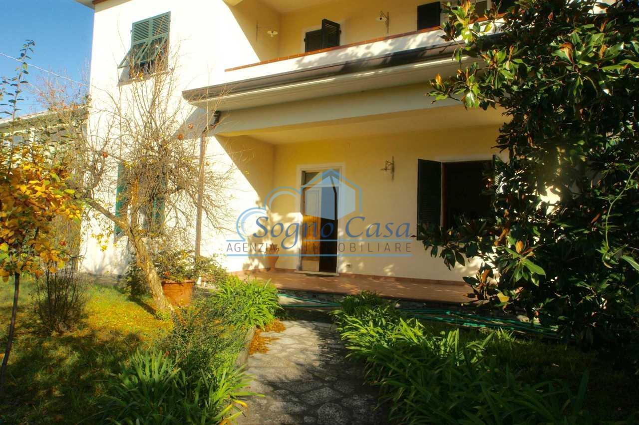 Villa Bifamiliare in vendita a Fosdinovo, 9 locali, prezzo € 340.000 | PortaleAgenzieImmobiliari.it
