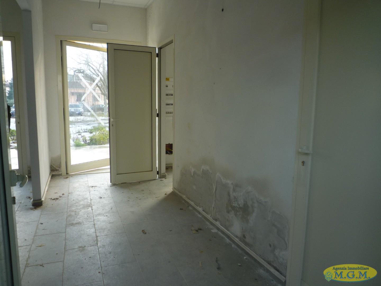 Mgmnet.it: Locale comm.le/Fondo in affitto a Santa Maria a Monte