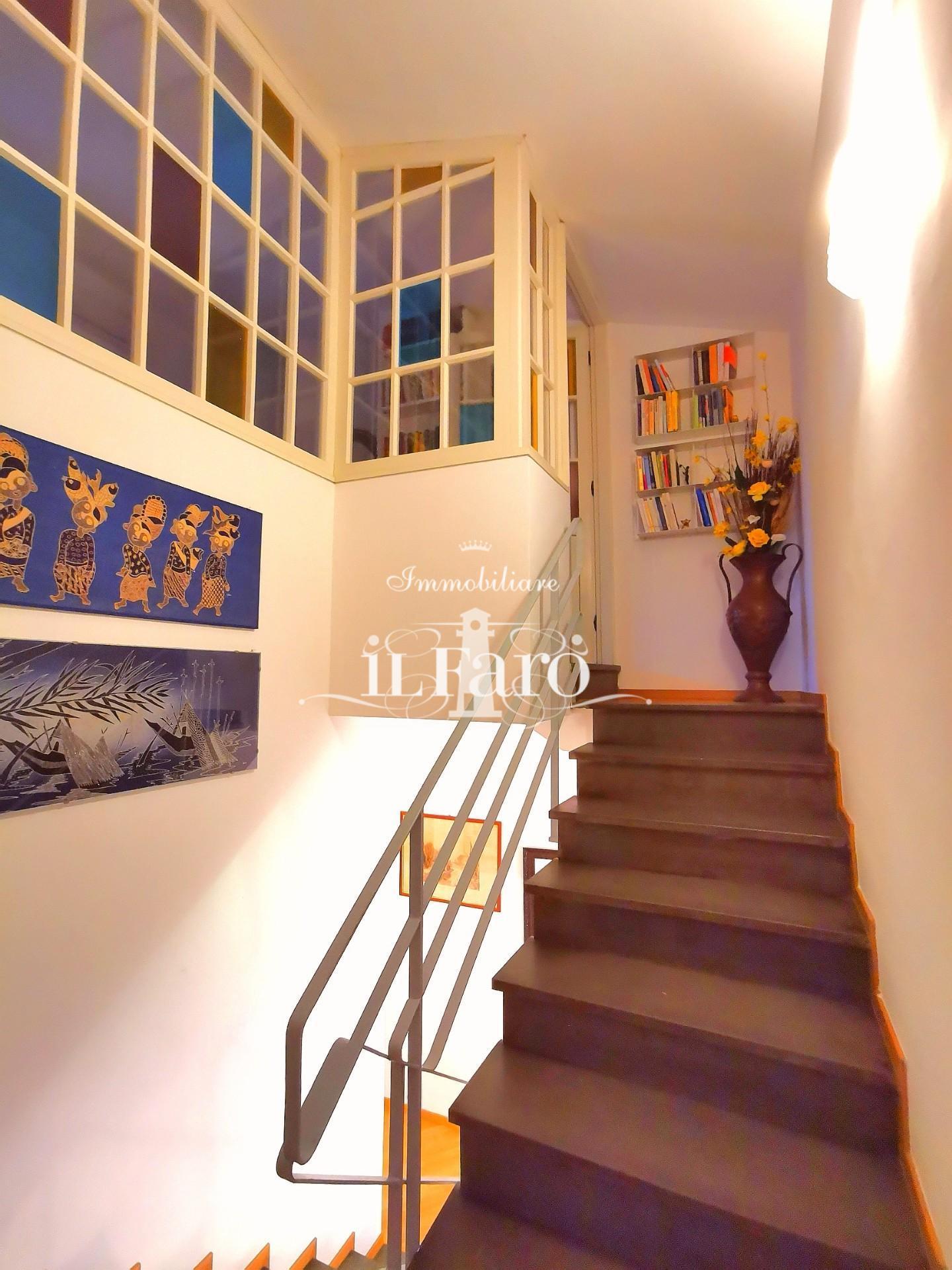 Villetta trifamiliare in vendita, rif. P7015
