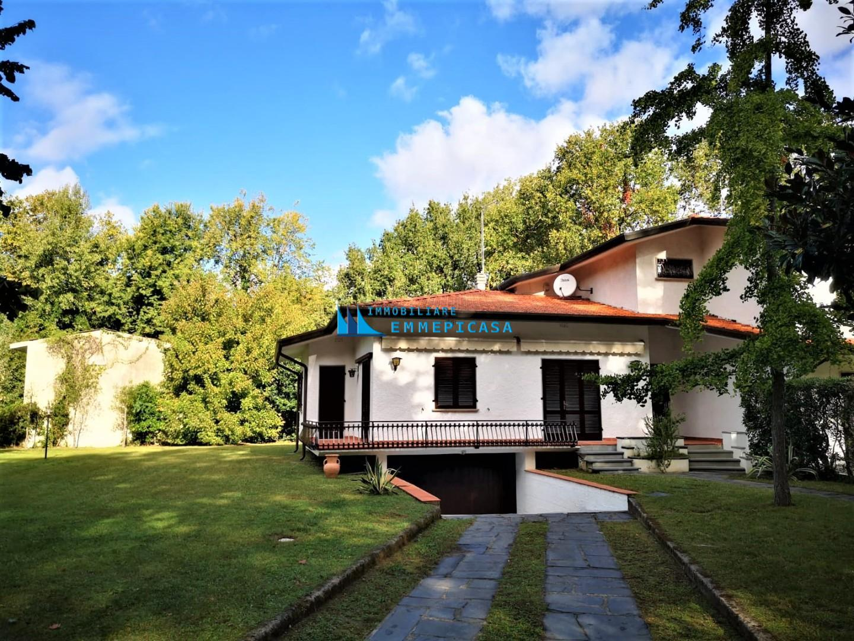 Villetta bifamiliare in affitto vacanze a Massa