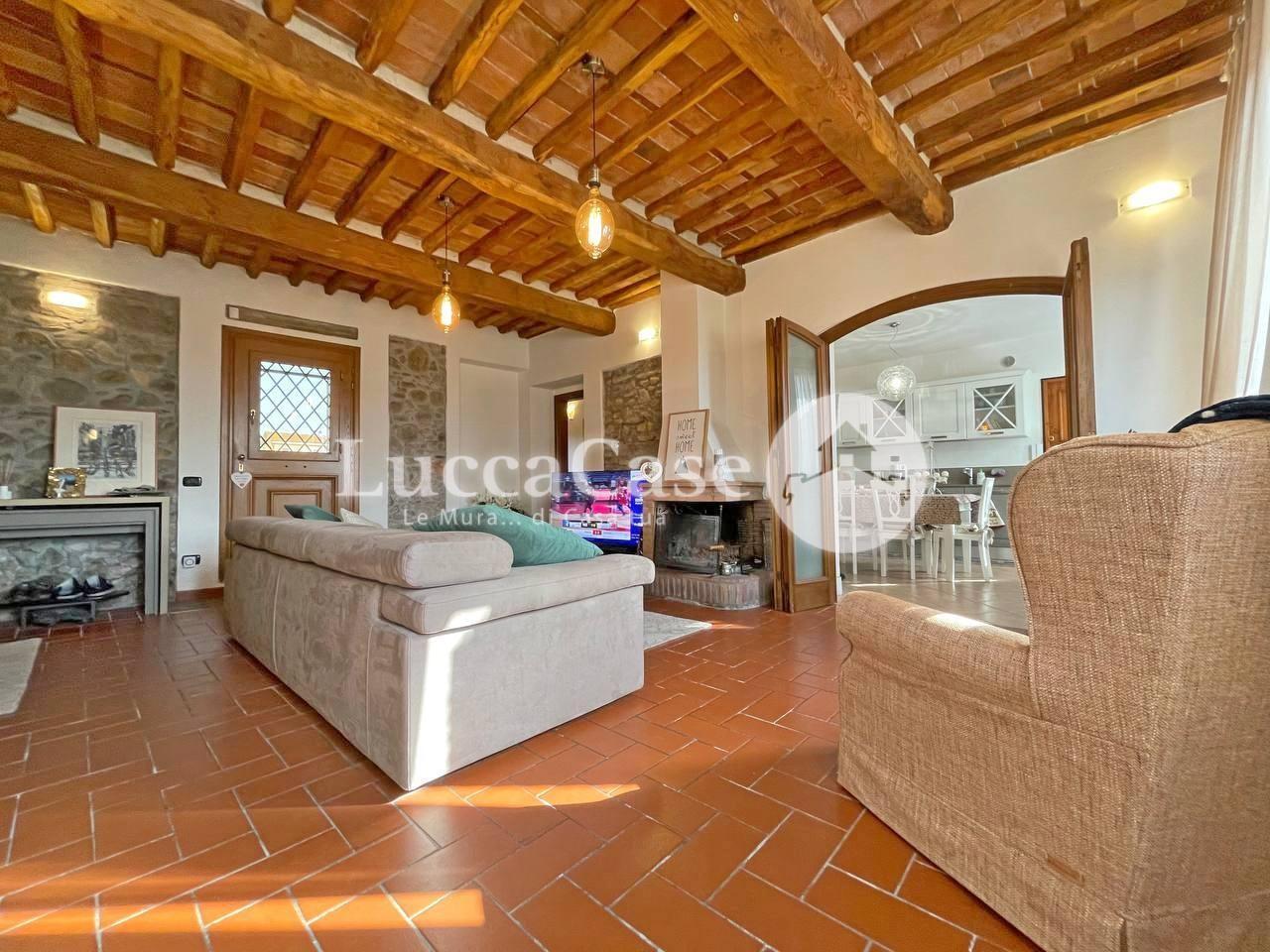 Appartamento in vendita, rif. E017P