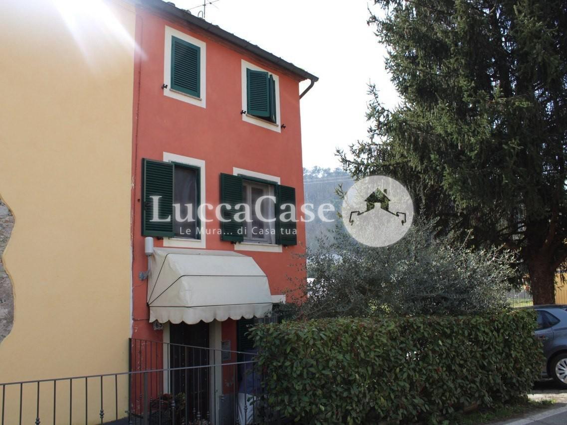 Villetta bifamiliare in vendita, rif. E060J