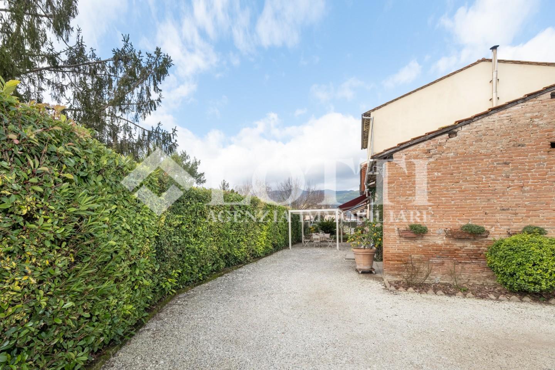 Porzione di casa in vendita, rif. B3117