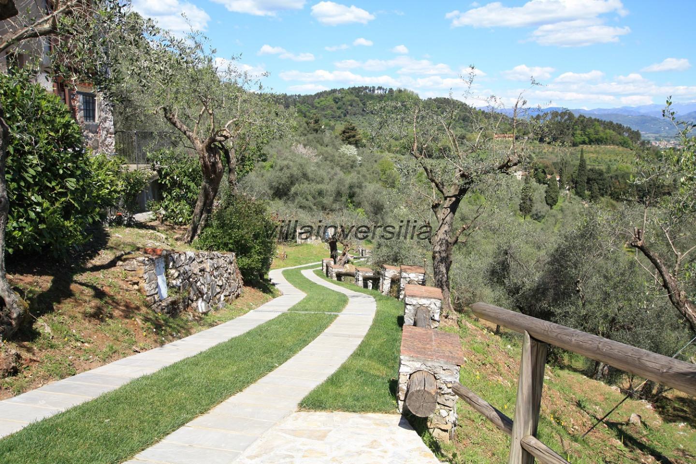 Foto 4/23 per rif. V 32021 villa colline Lucca