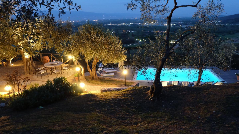 Foto 12/23 per rif. V 32021 villa colline Lucca