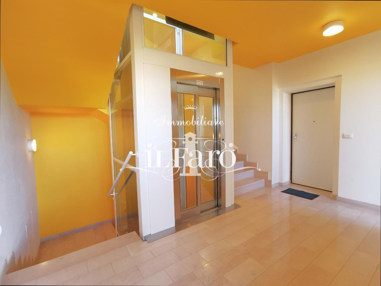 Open Space in vendita, rif. P1000
