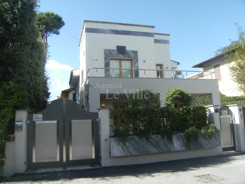 Villa singola a Pietrasanta
