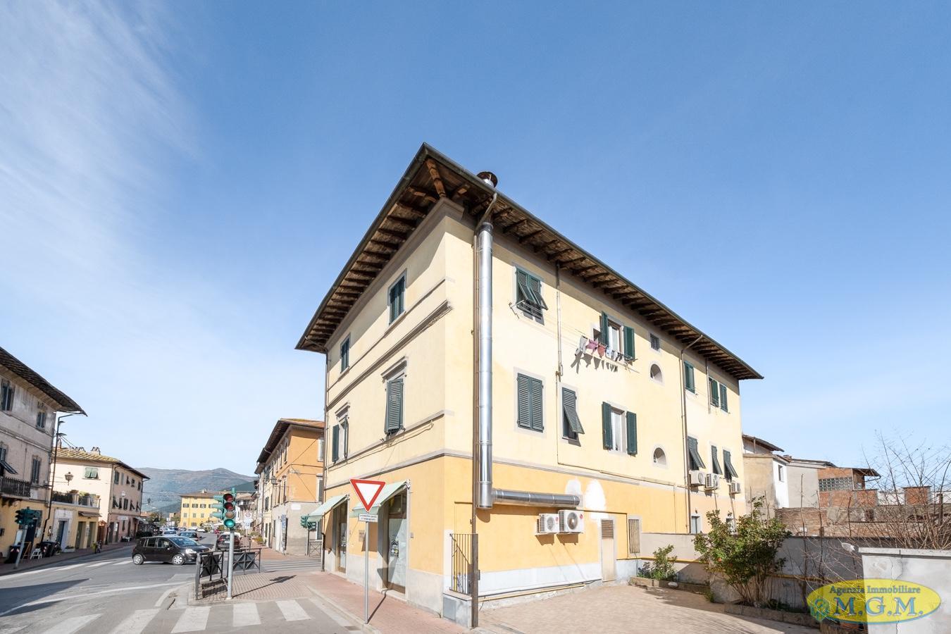 Mgmnet.it: Locale comm.le/Fondo in affitto a Bientina