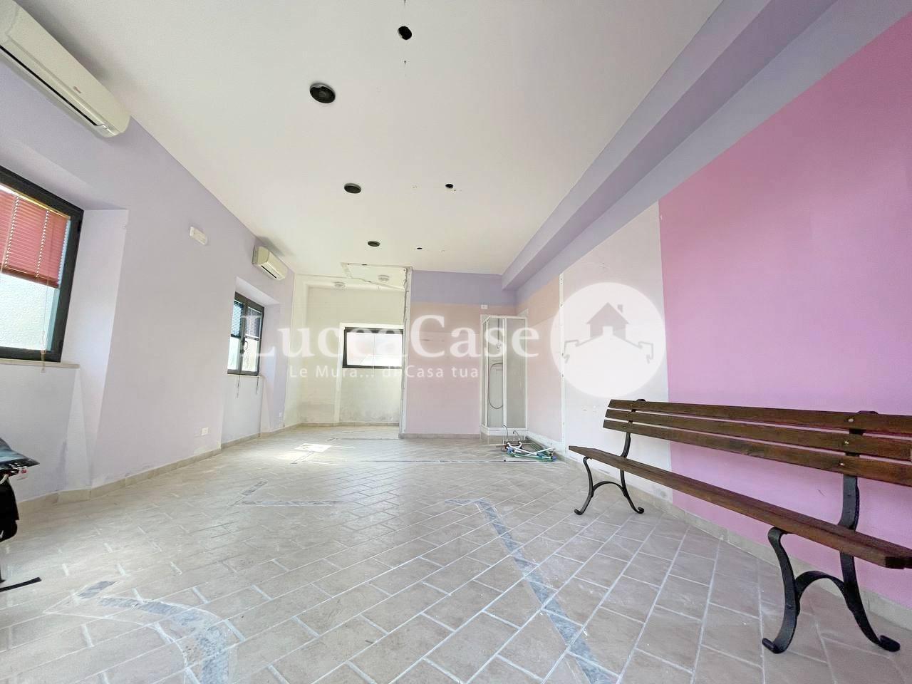 Locale comm.le/Fondo in affitto commerciale, rif. F022P