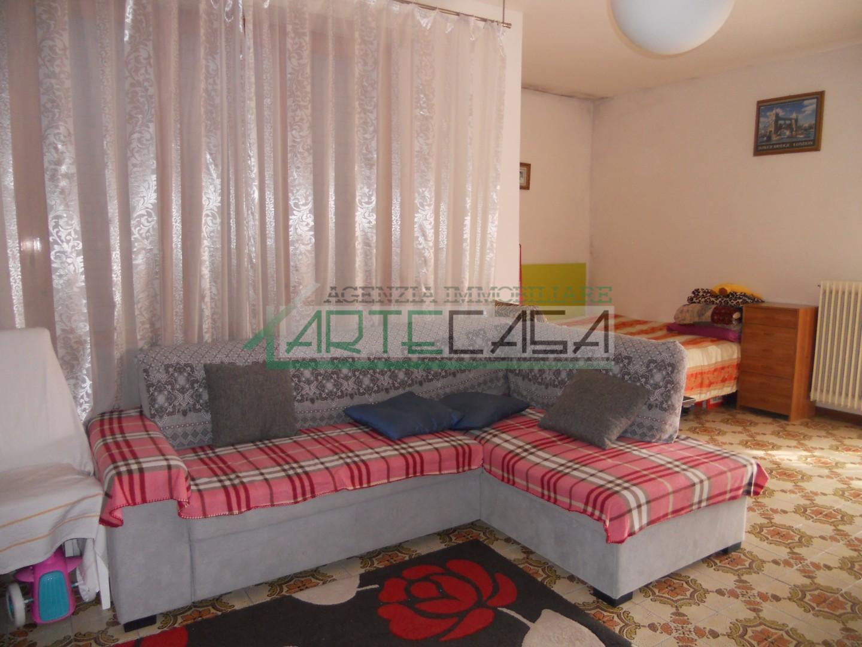 Appartamento in affitto, rif. AC6965
