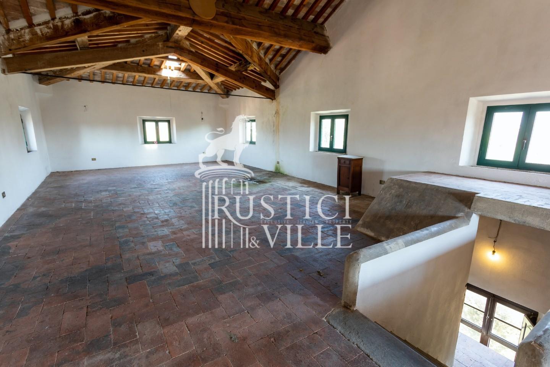 Historical building on sale to San Giuliano Terme (66/81)
