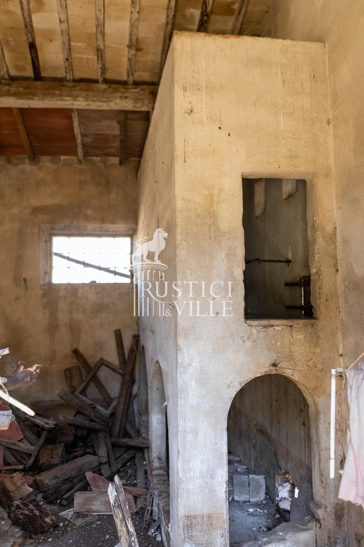 Historical building on sale to San Giuliano Terme (79/81)