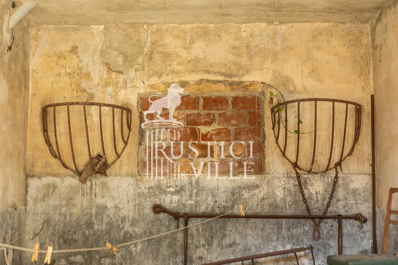 Historical building on sale to San Giuliano Terme (76/81)