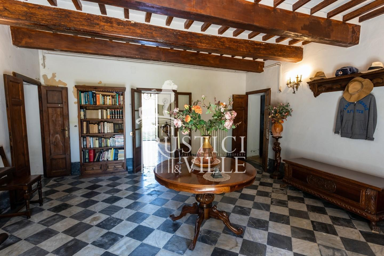 Historical building on sale to San Giuliano Terme (23/81)