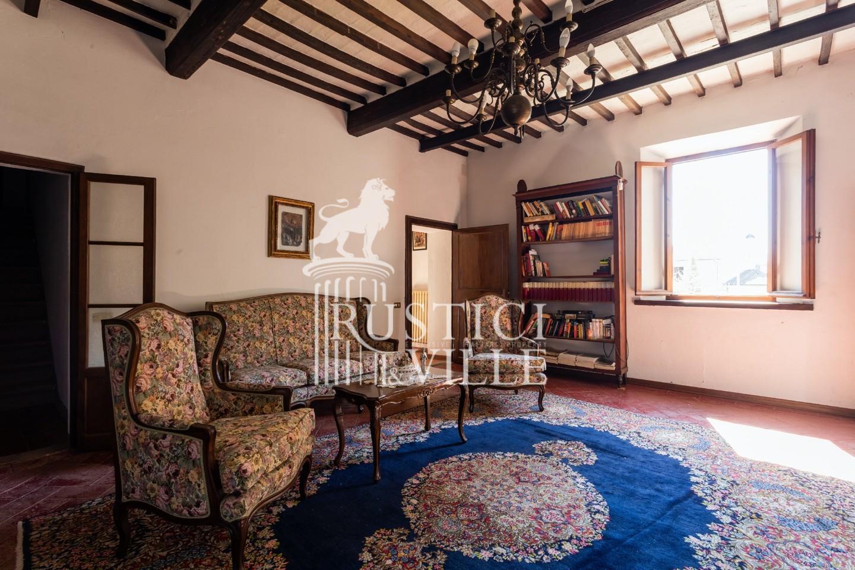 Historical building on sale to San Giuliano Terme (47/81)