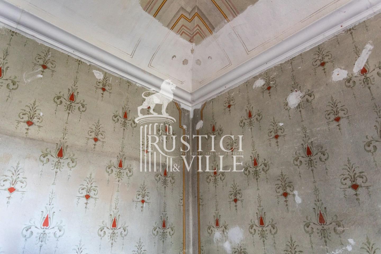 Historical building on sale to San Giuliano Terme (57/81)