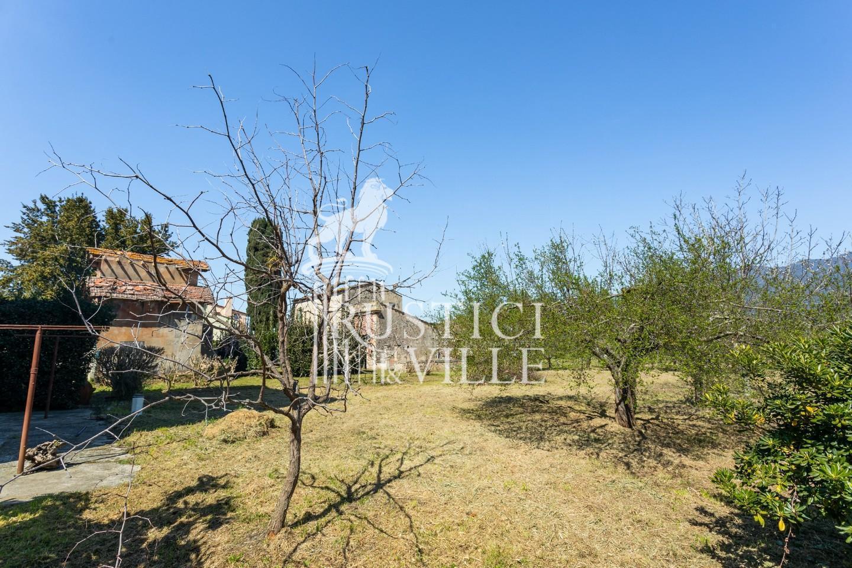 Historical building on sale to San Giuliano Terme (8/81)