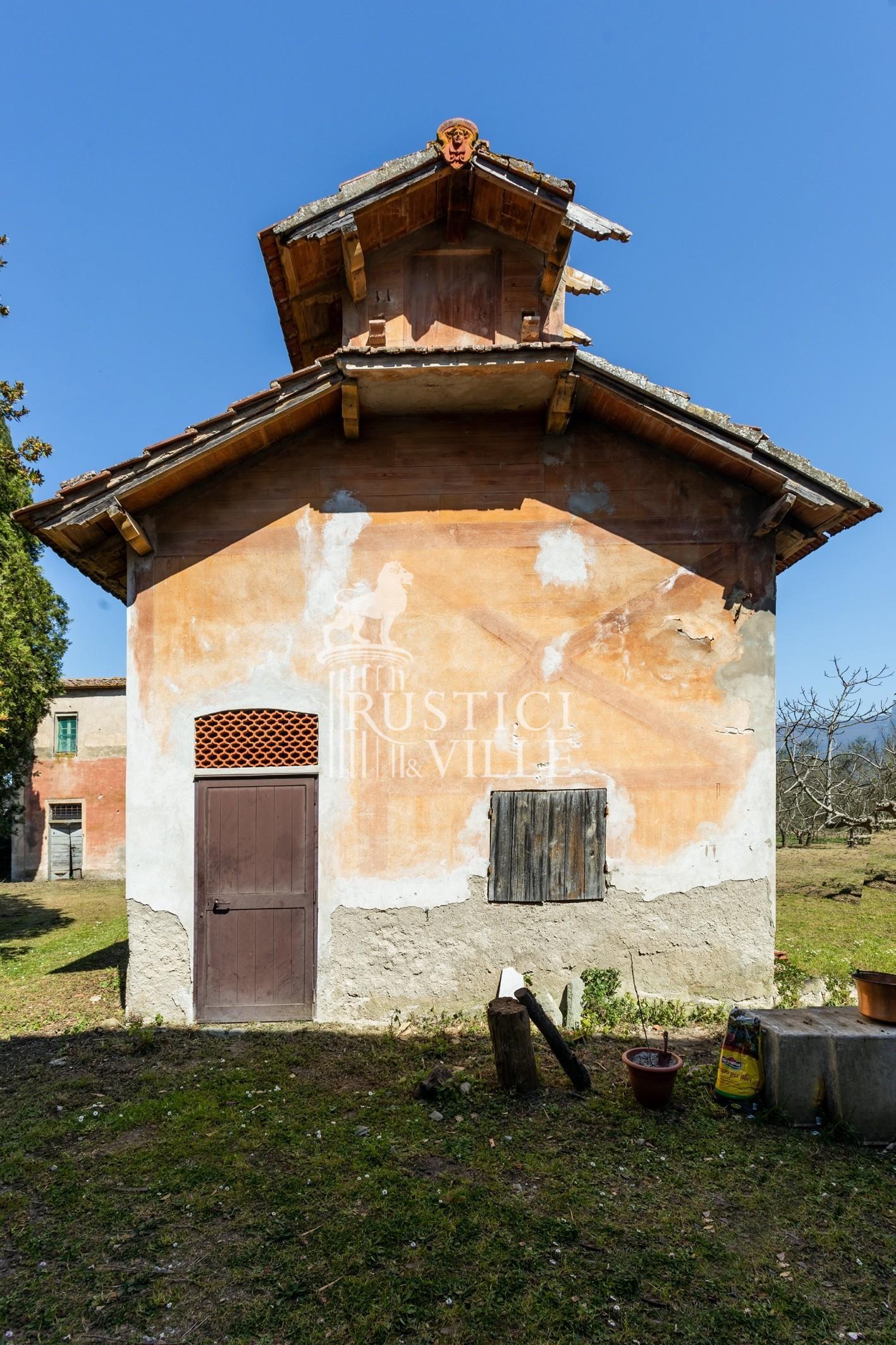 Historical building on sale to San Giuliano Terme (19/81)