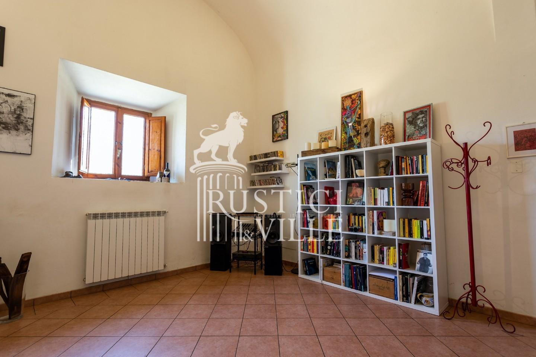 Historical building on sale to San Giuliano Terme (40/81)