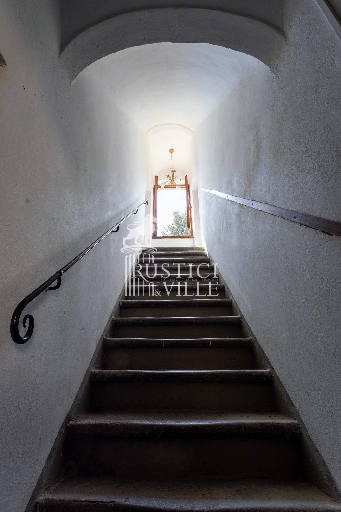 Historical building on sale to San Giuliano Terme (44/81)