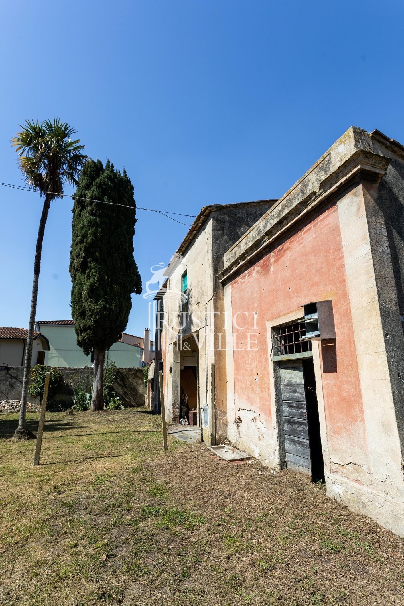 Historical building on sale to San Giuliano Terme (74/81)