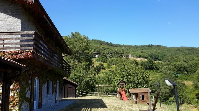 Photo 2/21 for ref. V152021 casale Val Di Vara