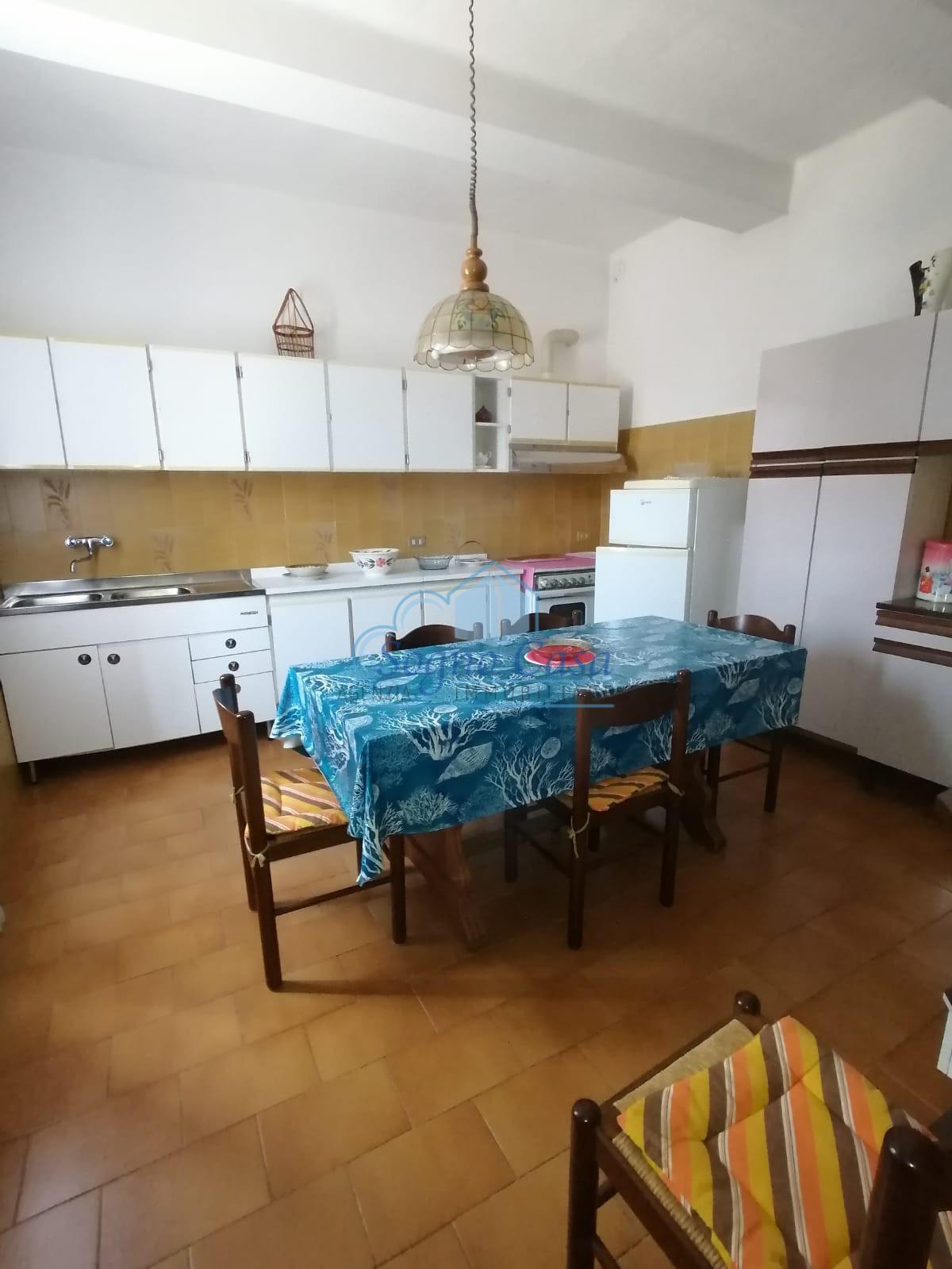 Casa semindipendente in vendita a Isola, Luni (SP)