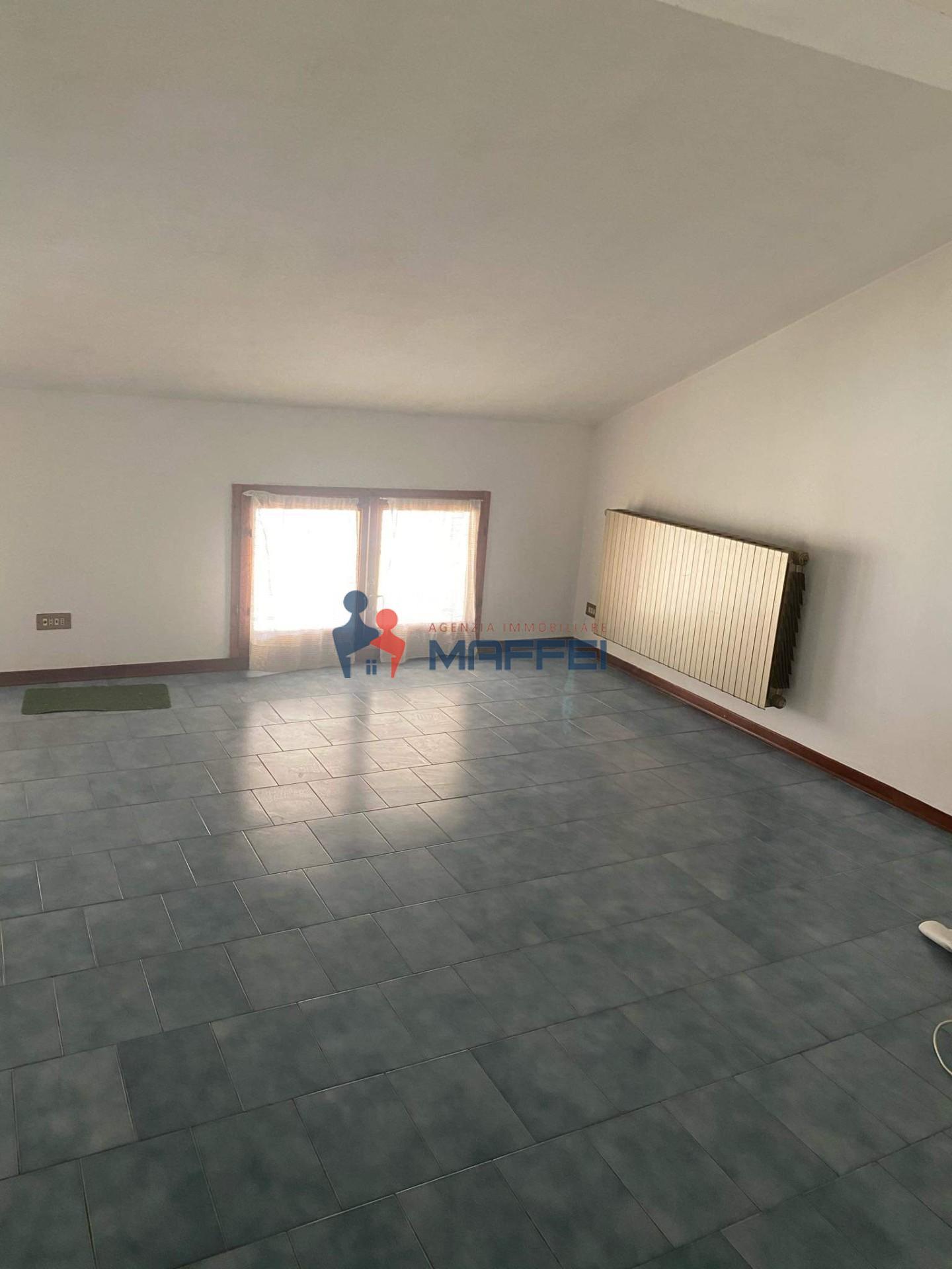 Terraced house for sale in Viareggio (LU)