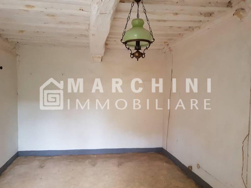 Colonica in vendita a Capannori (LU)