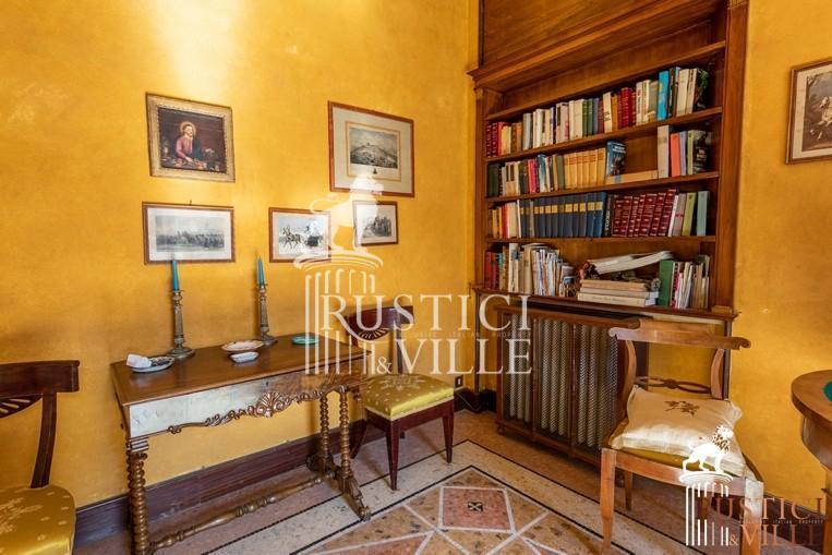 Villa on sale to Pisa (92/143)