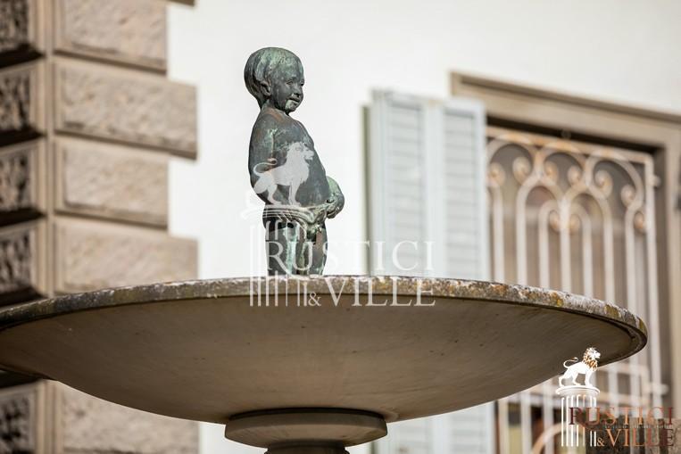Villa on sale to Pisa (142/143)
