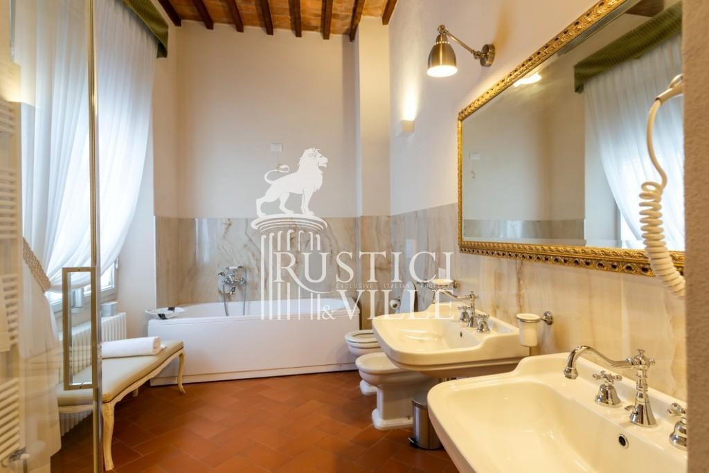 Historical building on sale to Pisa (37/58)