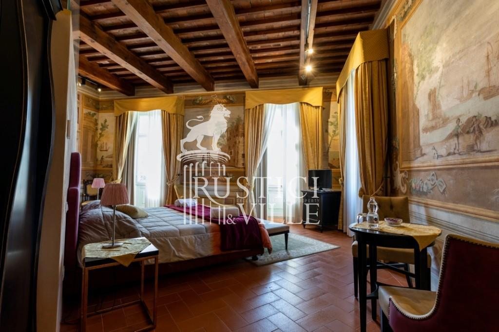 Historical building on sale to Pisa (13/58)