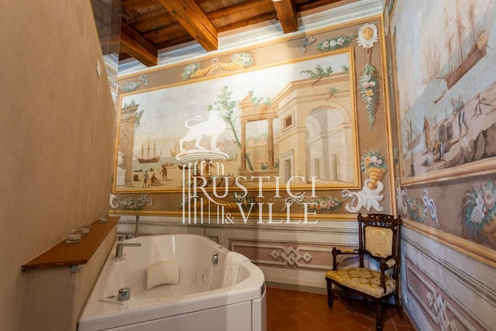 Historical building on sale to Pisa (6/58)