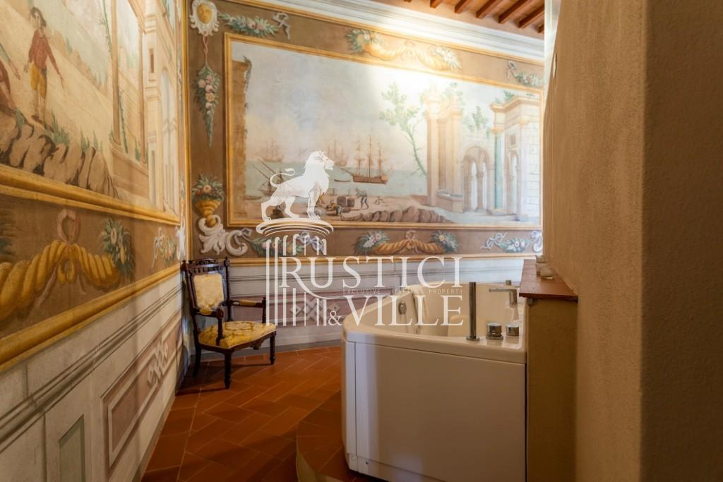 Historical building on sale to Pisa (14/58)