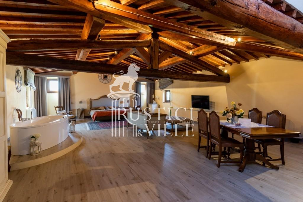 Historical building on sale to Pisa (26/58)
