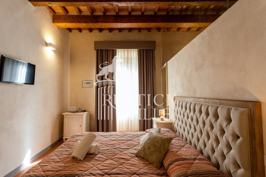 Historical building on sale to Pisa (47/58)