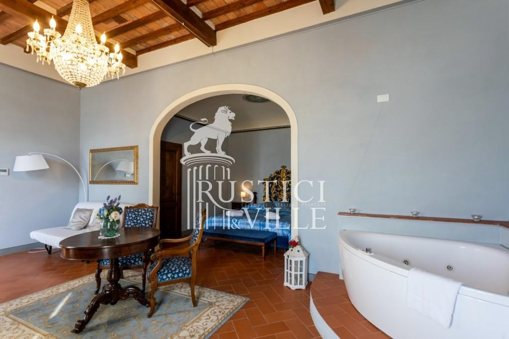 Historical building on sale to Pisa (21/58)
