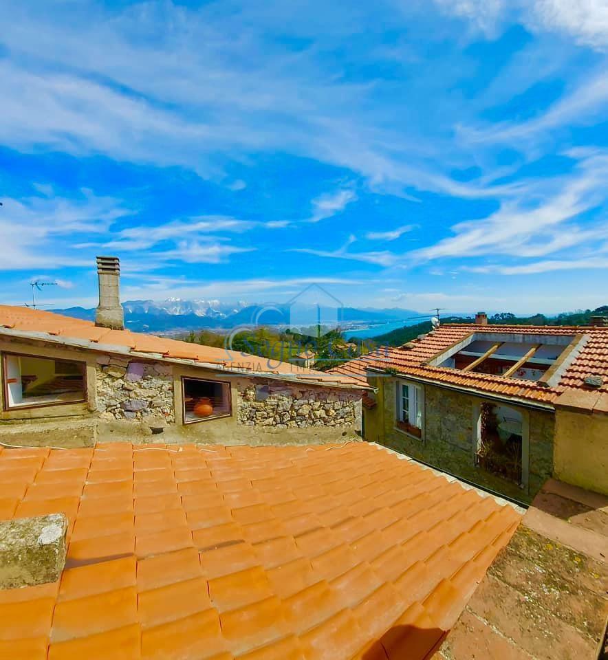 Porzione di casa in vendita, rif. 107077